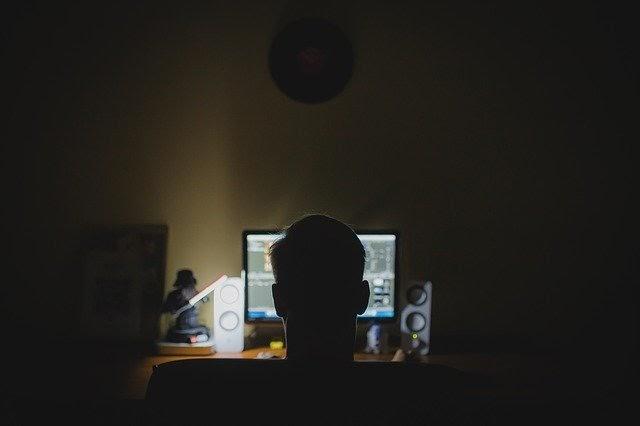 Anonymous Writing Platforms